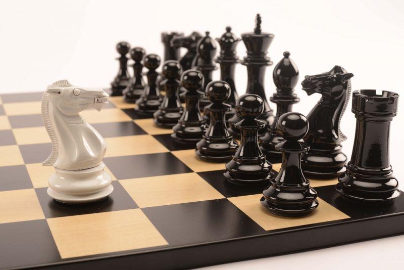 Bold Chess Gloss White v Shadow Black close up 3