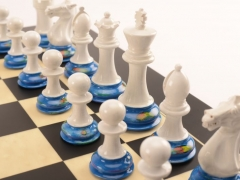 Art Chess by Richard Morrissey No5 Red Yellow Blue 002